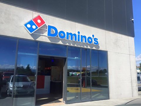 Domino's Pizza in Iceland was first opened in August 16th, 1993 in Grensásvegur 11 in Reykjavík.